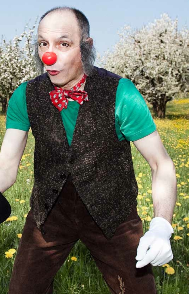 http://www.gentlebooklets.com/wp-content/uploads/2015/03/11_clown-25-658x1024.jpeg